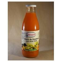 Organiczny sok z marchwi i aloesu