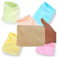 Guantes de colores para cambiar el pañal