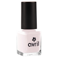 Lait de Rose nail polish
